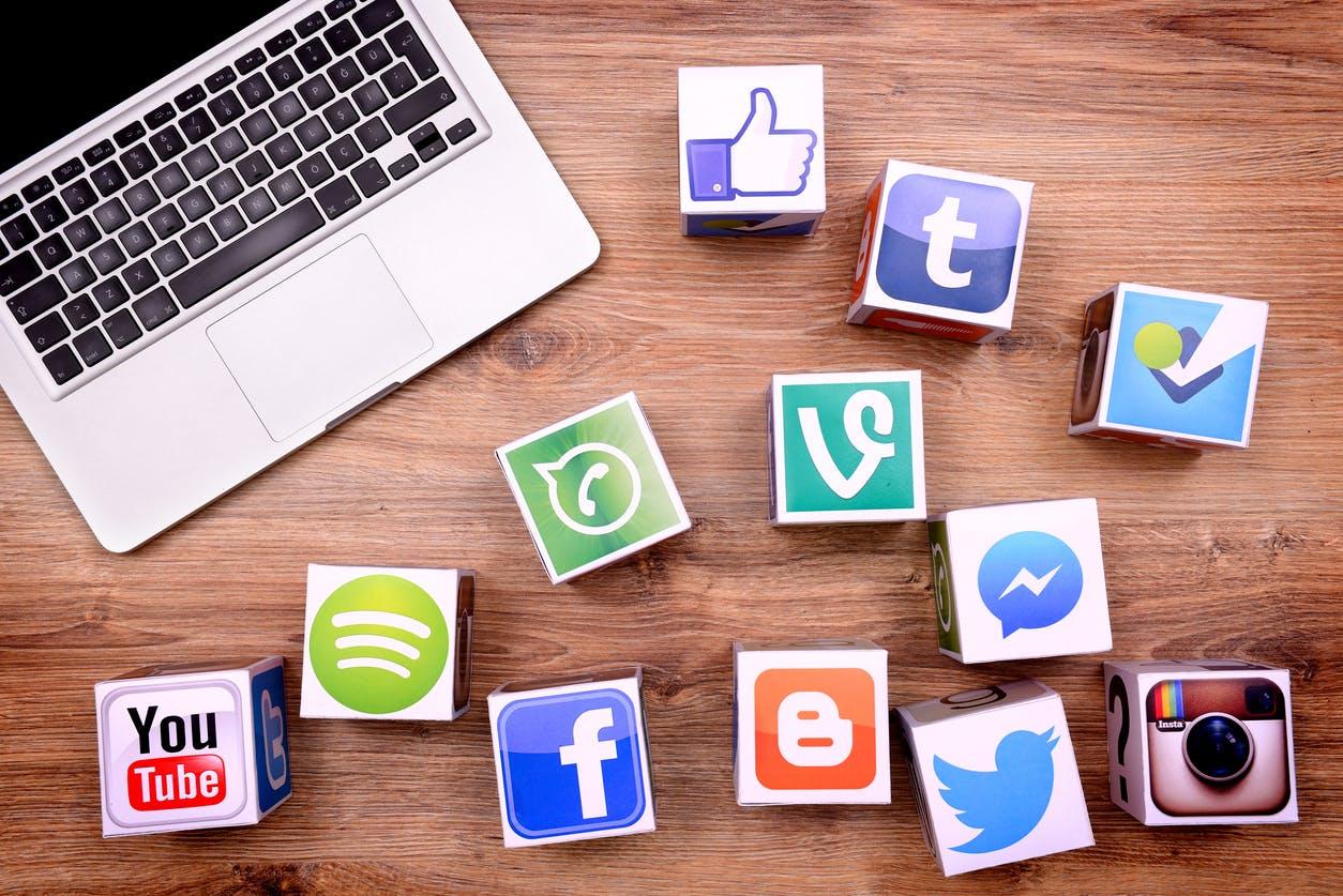 وسائل التواصل الإجتماعي في التعليم